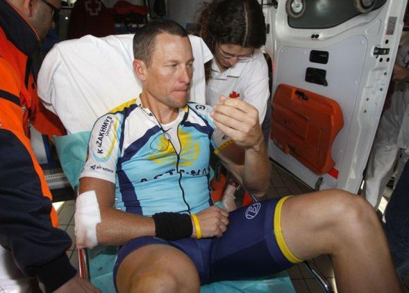 Per griūtį rimtai susižeidė vienintelis L.Armstrongas. Jam trečiadienį bus atlikta raktikaulio operacija.