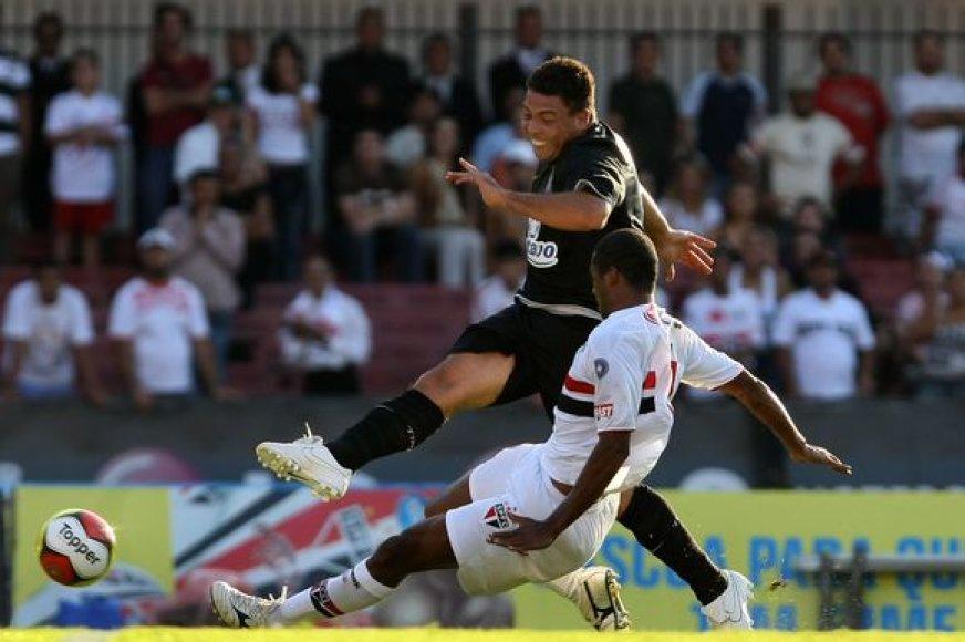 Ronaldo vėl demonstruoja gerą sportinę formą.