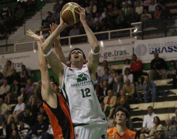 K.Lavrinovičius nugalėtojams pelnė 14 taškų ir atkovojo 7 kamuolius.