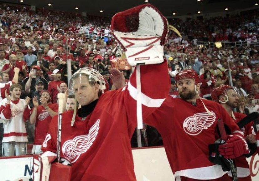 """""""Red Wings"""" ledo ritulininkai gali apginti čempionų vardą"""