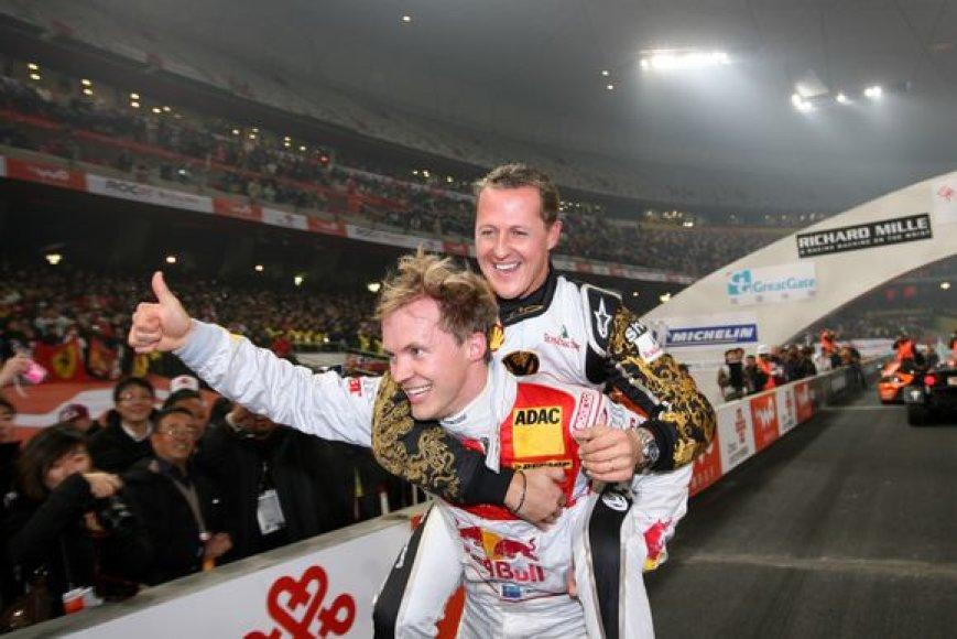 M.Schumacheris pasveikino nugalėtoją