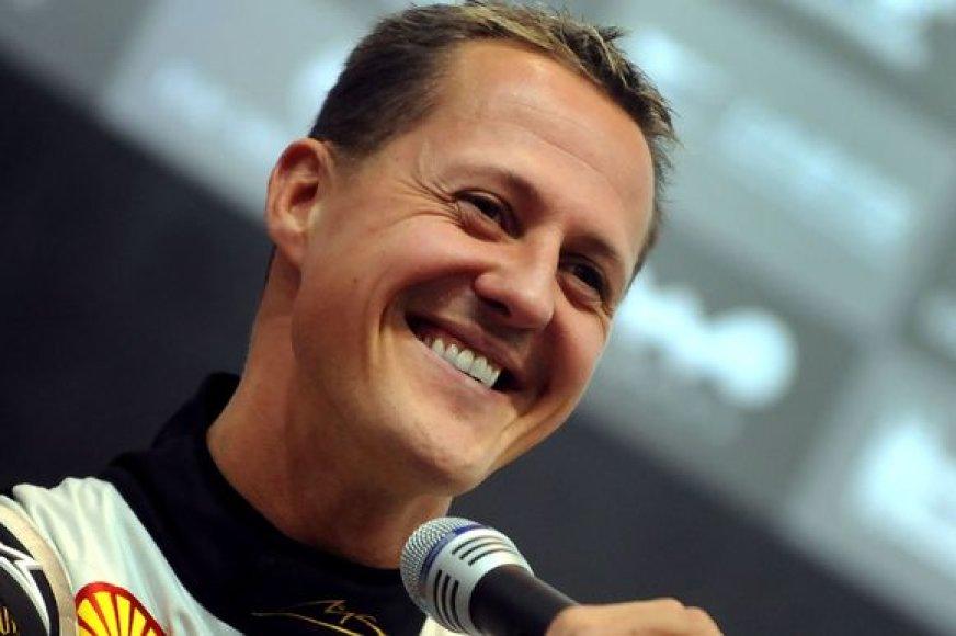 Nerimsta kalbos apie M.Schumacherio grįžimą
