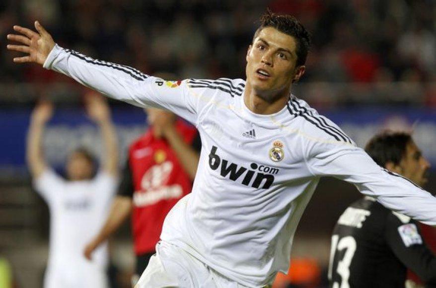C.Ronaldo nugalėtojams pelnė tris įvarčius