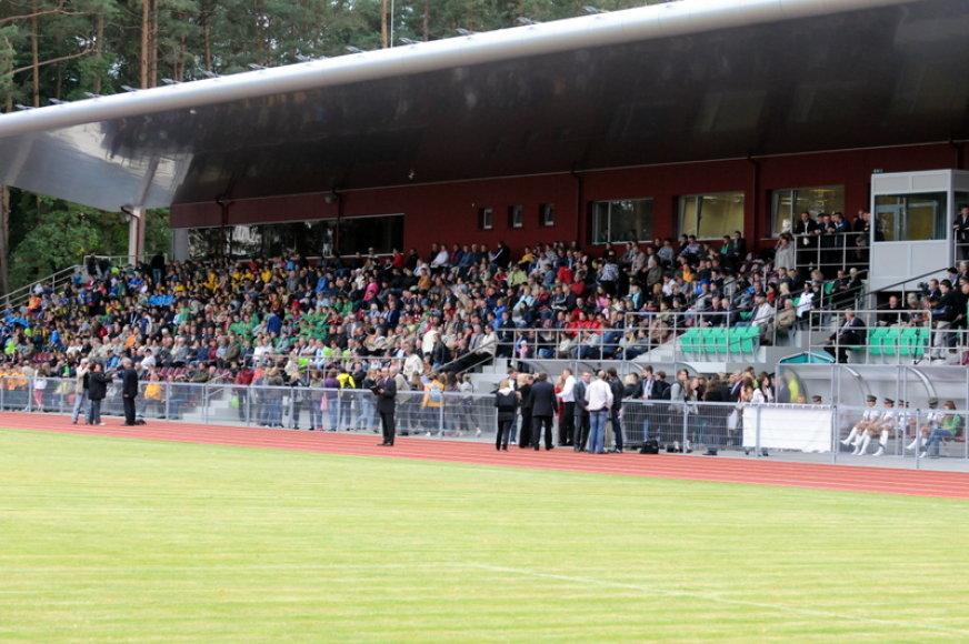 Žiūrovai Alytaus stadione
