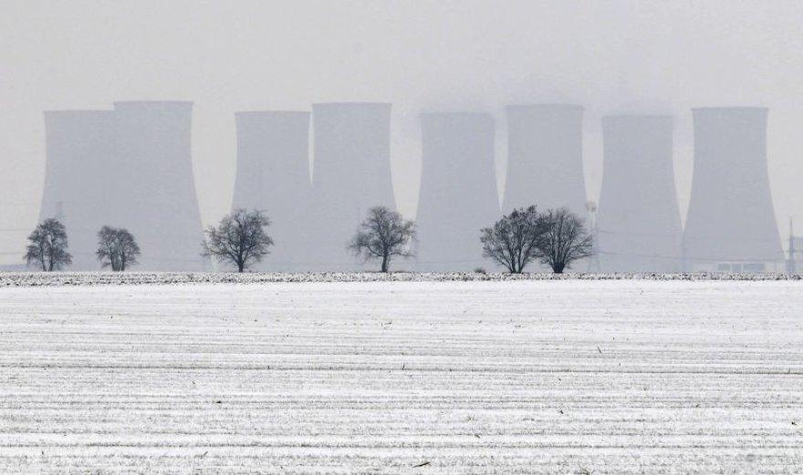 Slovakai rimtai svarsto galimybę paleisti dėl nesaugumo uždarytą atominę elektrinę.