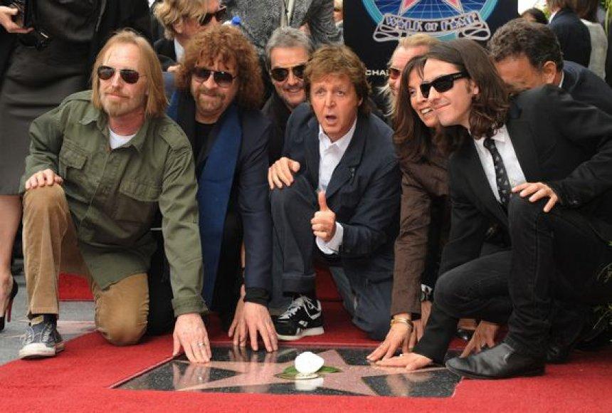 George'as Harrisonas po mirties gavo Holivudo žvaigždę.