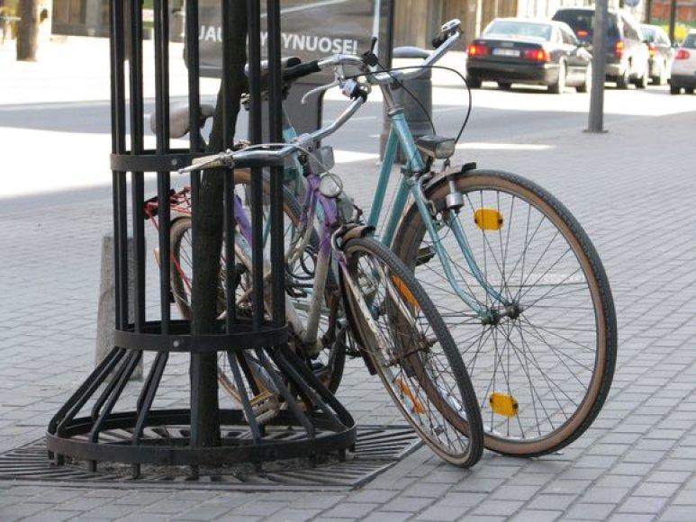 Atšilus orams sukruto dviračių vagys.