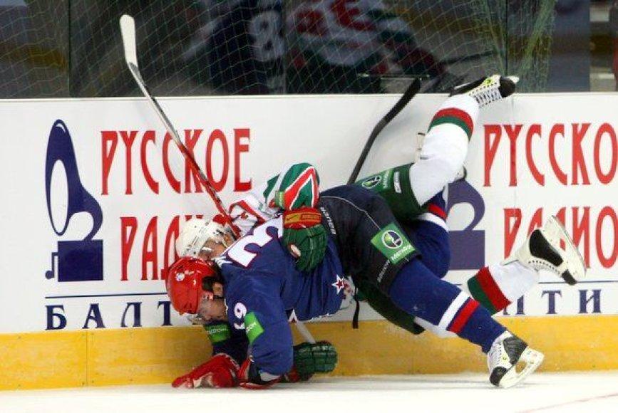 """Pirmą kartą Lietuvoje surengtos Kontinentinės ledo ritulio lygos (KHL) rungtynės tarp Sankt Peterburgo SKA ir Kazanės """"Ak Bars"""" klubų."""