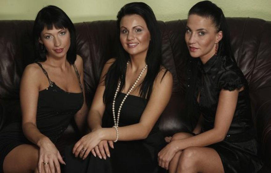 "Grupė ""Axom"" (viduryje – Solveiga)"
