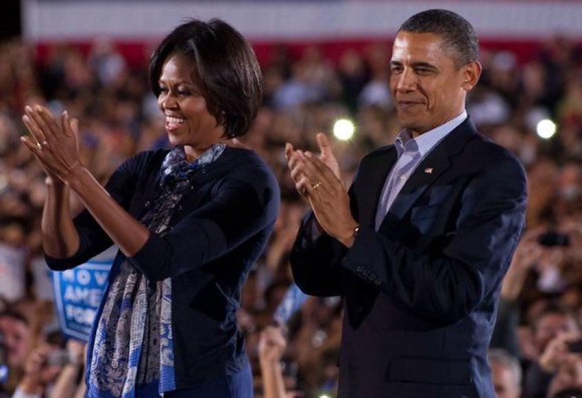 JAV pirmoji pora dalyvavo rinkimų kampanijos renginyje Ohajuje.