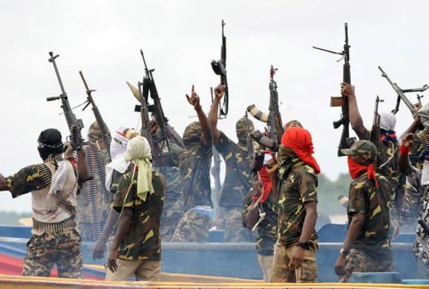 Nigerijos kovotojai, užgrobę naftininkų laivą