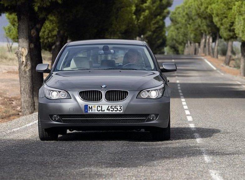 Populiariausia serija Lietuvoje BMW 5