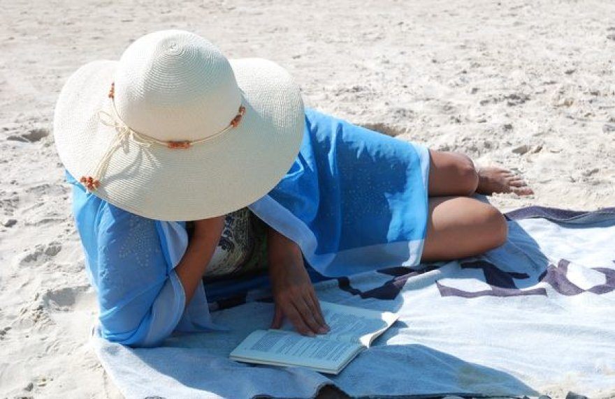 Ištroškę sielos ir kūno ramybės gali, pavyzdžiui, paskaityti knygą...