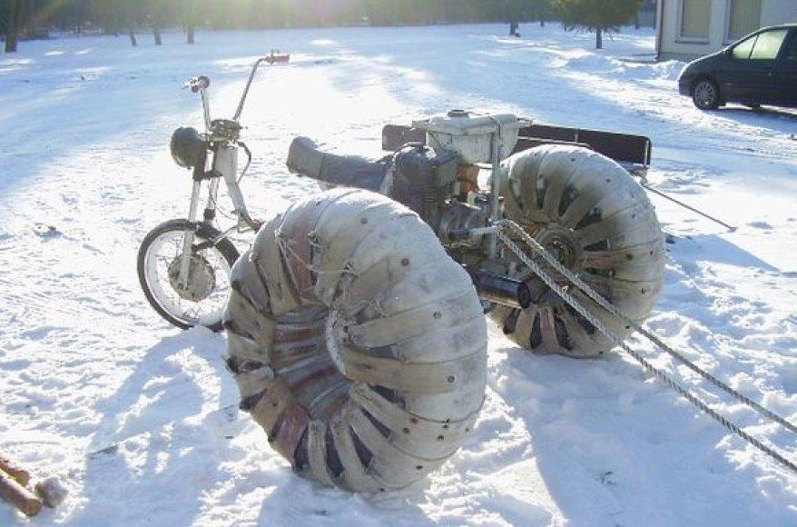 Pažeidėjų triratis motociklas