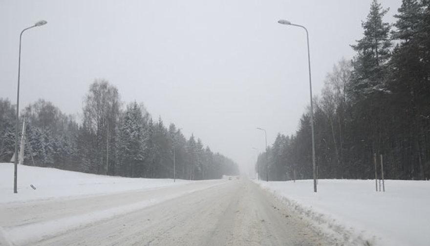 Avarija ir eismo sąlygos pirmadienį sostinėje