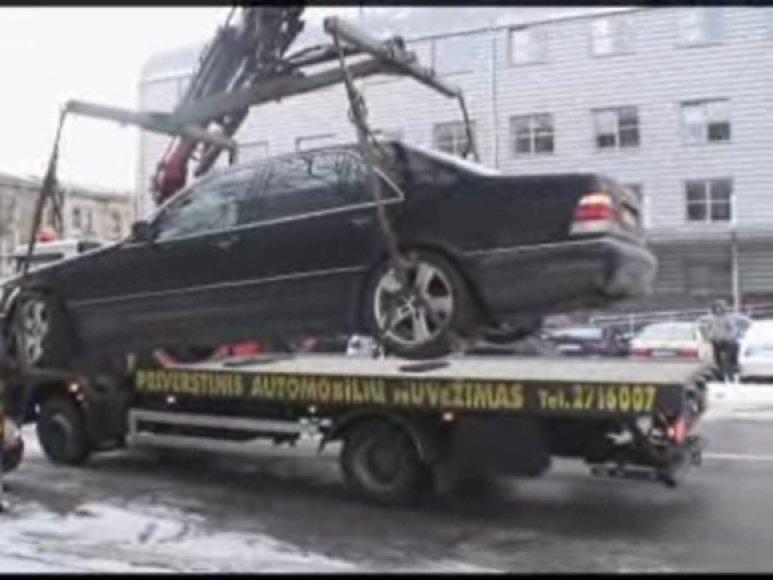 Priverstinai išvežtas limuzinas