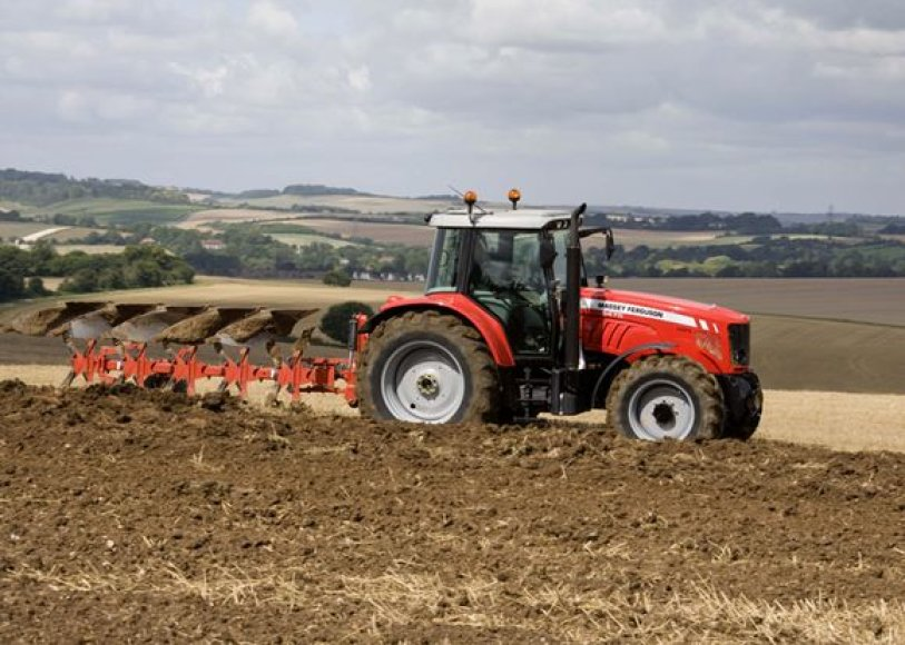 "Traktorius ""Massey Ferguson 5470"""