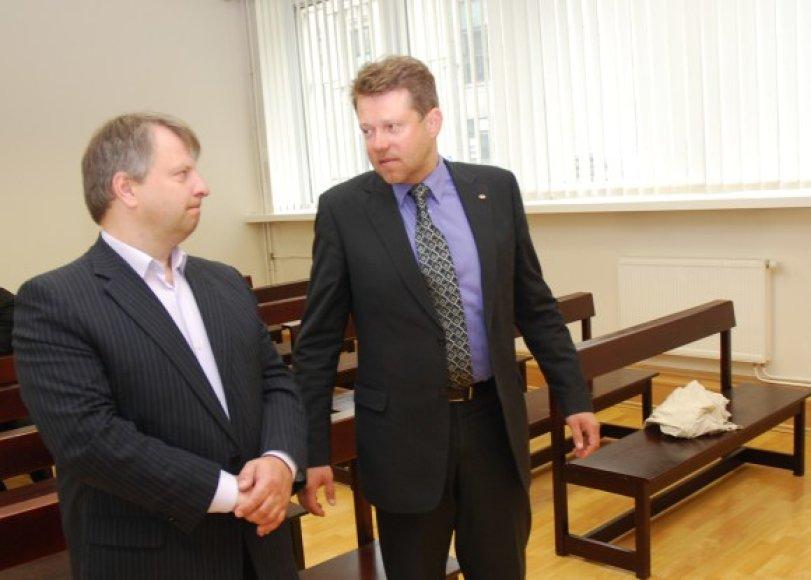 D.Narkevičiui (dešinėje) ir G.Kaukėnui savaitėlę teks palaukti, ką jiems lems Aukščiausiasis Teismas.