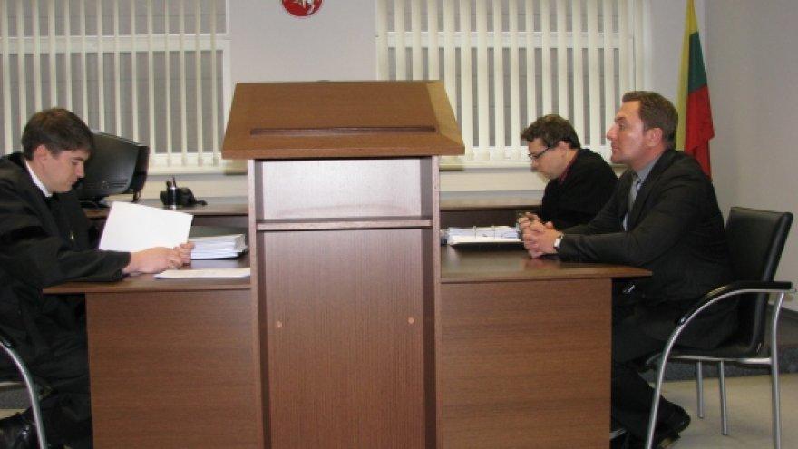 Teismas pritarė advokato A.Paulausko pozicijai, kad šioje byloje būtina taikyti M.Gelažniko turto areštą.