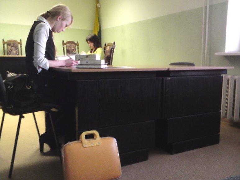 Atsakovams Kastujevams skirta vieta teismo salėje pirmadienį, kaip jau tampa įprasta, liko tuščia.