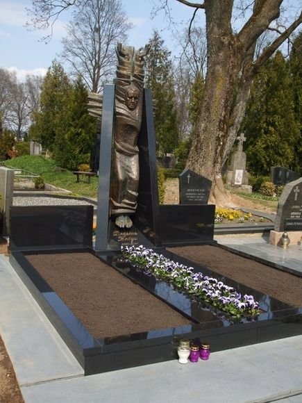 Drąsiaus Kedžio kapas Jonučių kapinėse