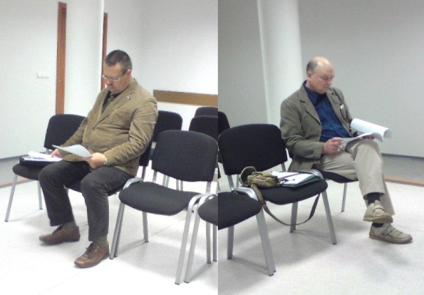 Nepriklausomas auditorius M.Stankevičius (kairėje) ir FNTT specialistas V.Kliauba teismui pateikė prieštaraujančias išvadas apie statybų įmonės mokumą.