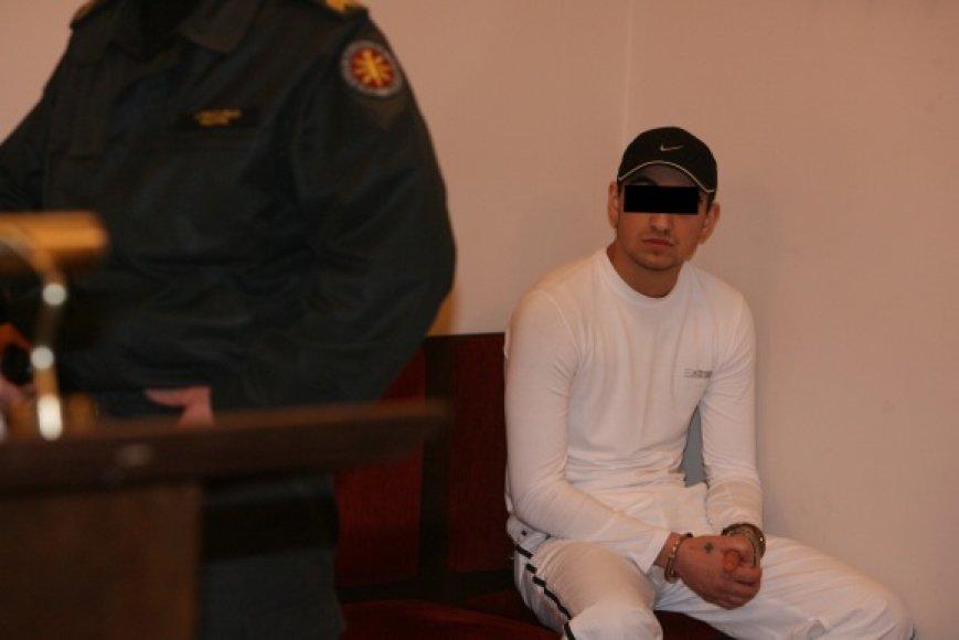 Septyniolikmetis čigonas Nikolajus viliasi, jog LAT teisėjai patikės jo nekaltumu.