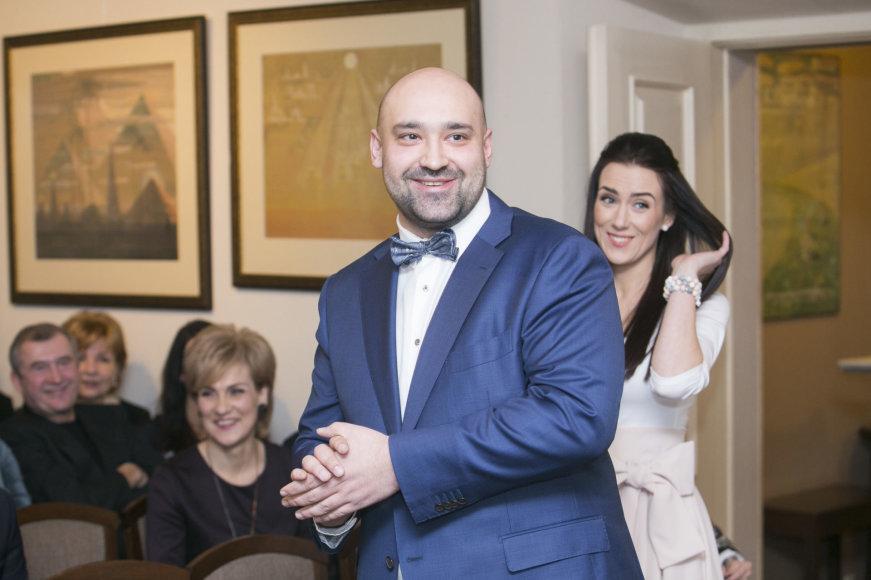 Irmanto Gelūno / 15min nuotr./Justo Šerveniko ir Robertos Mikučionytės vestuvių akimirka
