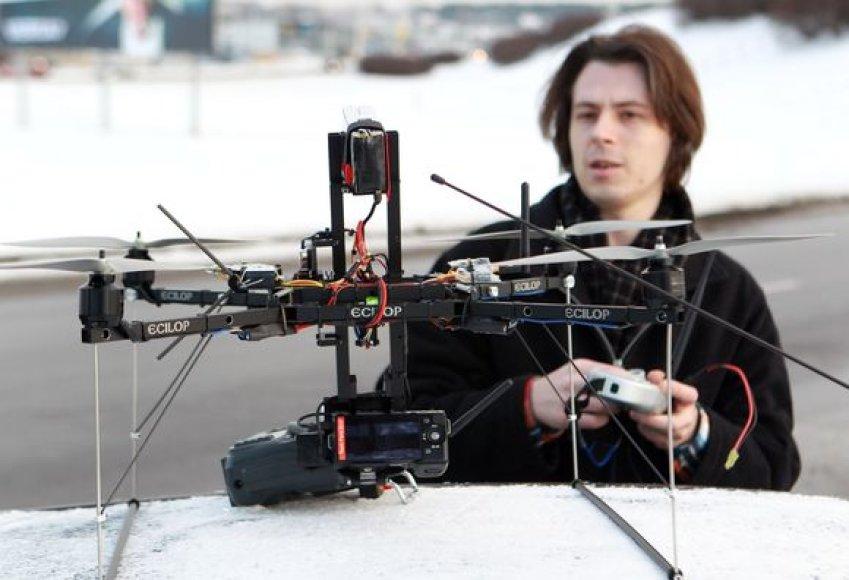 Fotografuojančių skraidyklių kūrėjas A.Zaicevskis