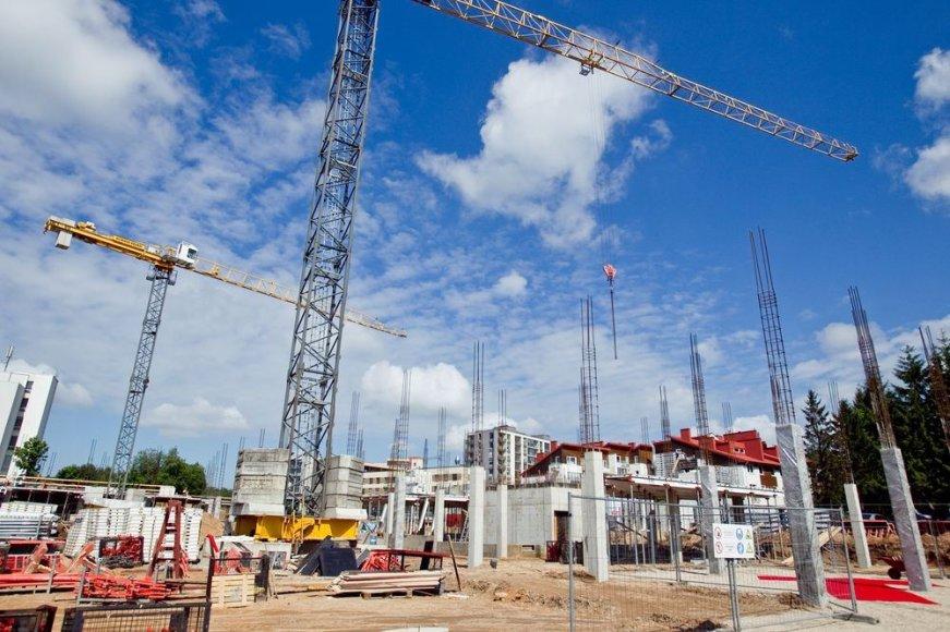 Naujo informacinių technologijų centro ir verslo inkubatoriaus statybos.