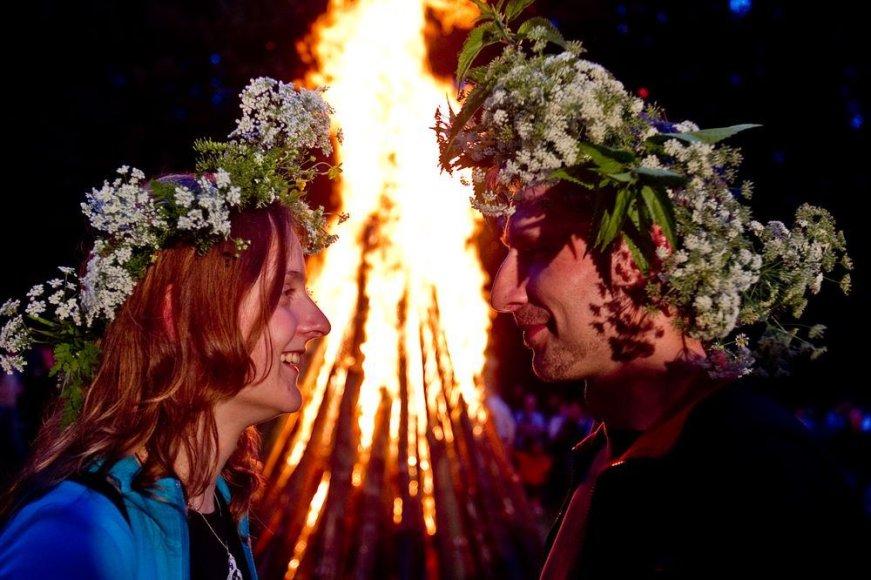 Rasos (Joninių) šventės akimirka Verkių parke
