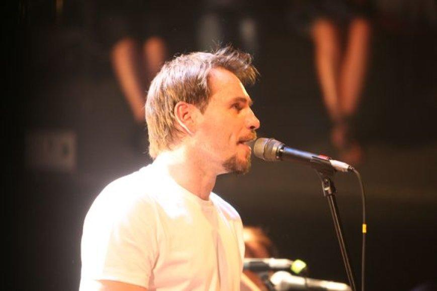 Marijonas Mikutavičius draugus ir gerbėjus pakvietė į gyvo garso koncertą.