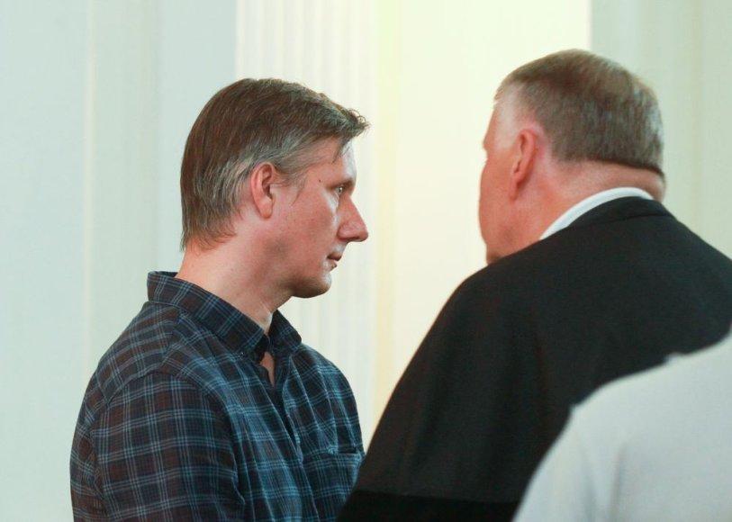 Teismas dėl Dmitrijaus Ustinovo ekstradicijos