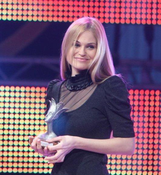"""Lietuvos """"Metų atradimu"""" tapo solistė Ona Kolobovaitė"""