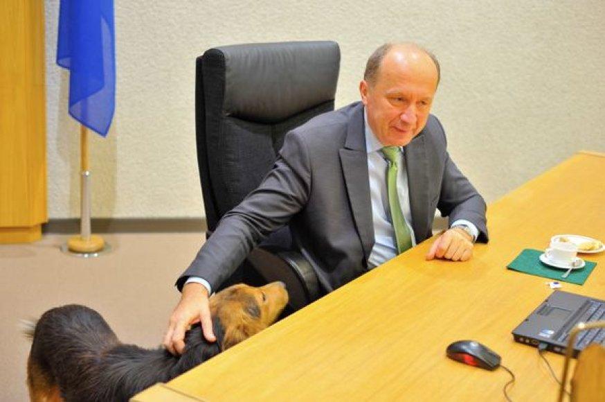 """Žygio """"2000 km istorijos"""" dalyvių susitikimas su premjeru A.Kubiliumi"""