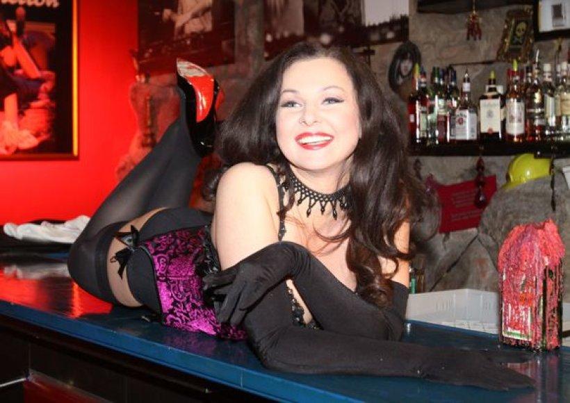 Eglija Vaitkevičė-Fergie, šokdama burleskos šokį, žada įkvėpti kitas moteris.