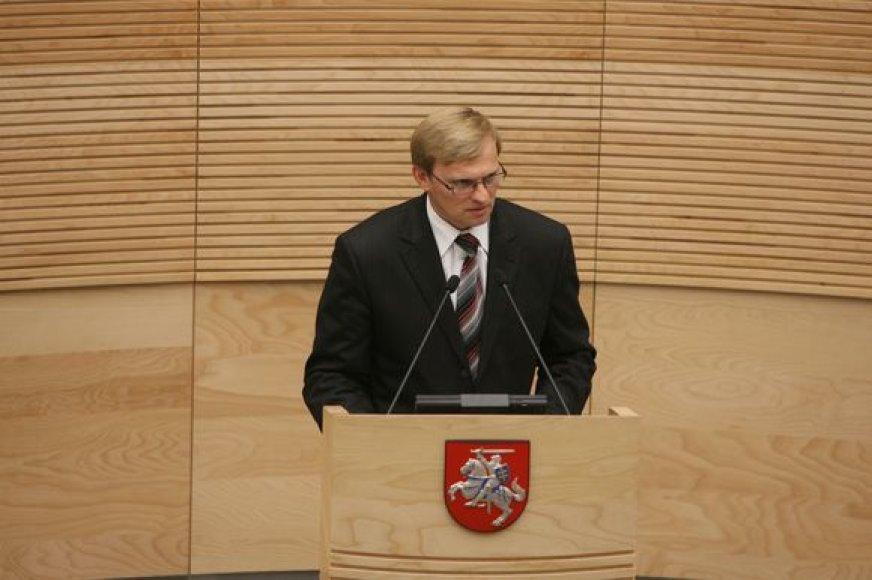 Algimantas Valantinas Seimo paprašė teisėsaugai atiduoti tris parlamentarus.