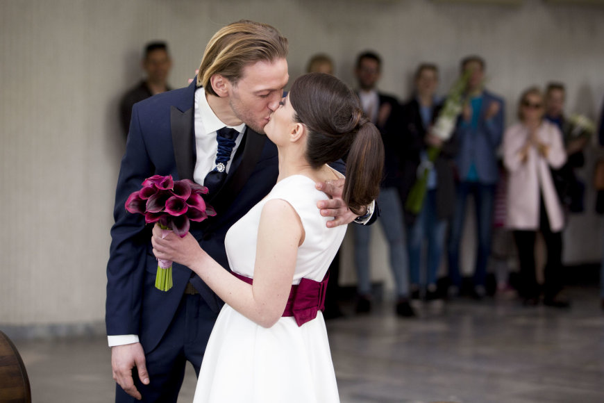 Irmanto Gelūno / 15min nuotr./Lizos Kogan ir Luko Lukoševičiaus vestuvių akimirka