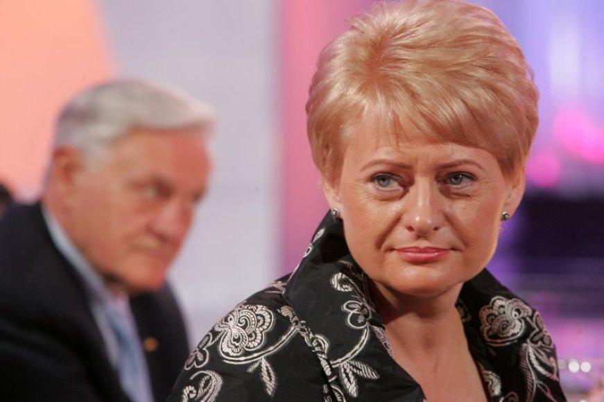 D.Grybauskaitės reitingai kur kas aukštesni nei dabartinio šalies vadovo Valdo Adamkaus.