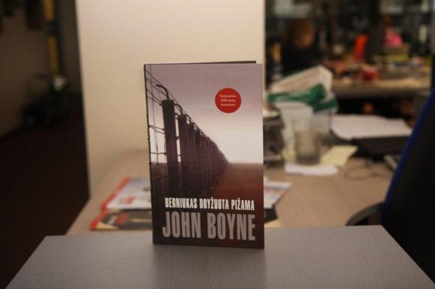 """J.Boyne """"Berniukas dryžuota pižama"""""""