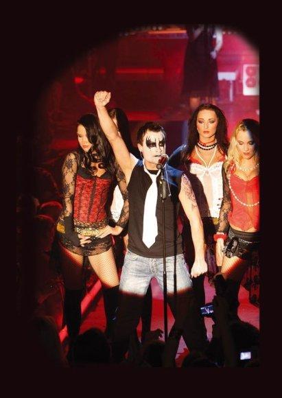 """Klube """"Dr.Who"""" Mantas gyvai atliks Robbie Williamso kūrinius."""