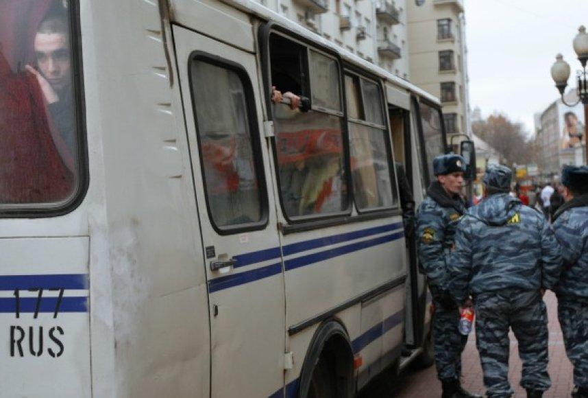 Milicija į nusikaltėlių paieškas metė didžiules pajėgas.