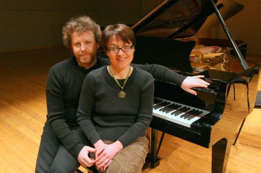 Šį vakarą koncertų salėje programą pristatys fortepijono meistrai Sonata ir Rokas Zubovai.