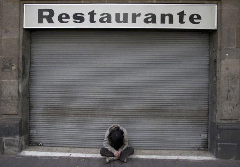 Daugelyje pasaulio šalių krizė priverčia verslininkus bankrutuoti.