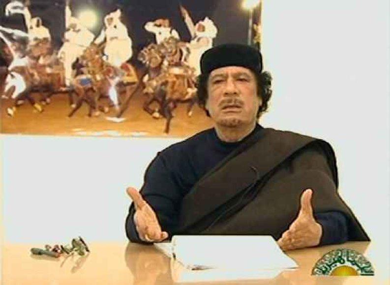 Muamaras Kadhafi kalba per televiziją