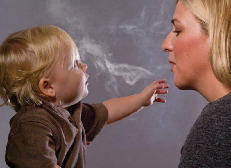 JAV administracijos siūlomos nuotraukos cigarečių pakeliams