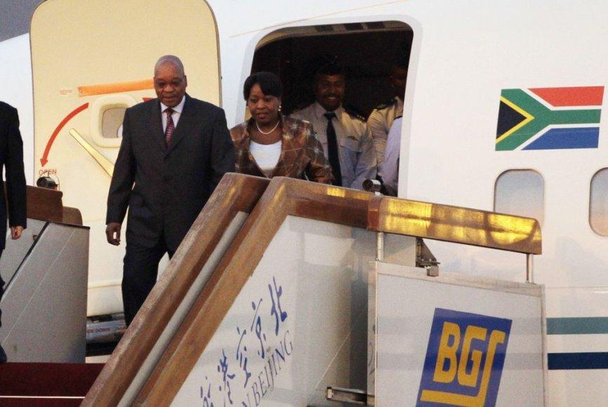 Jacobas Zuma su Bongi Ngema