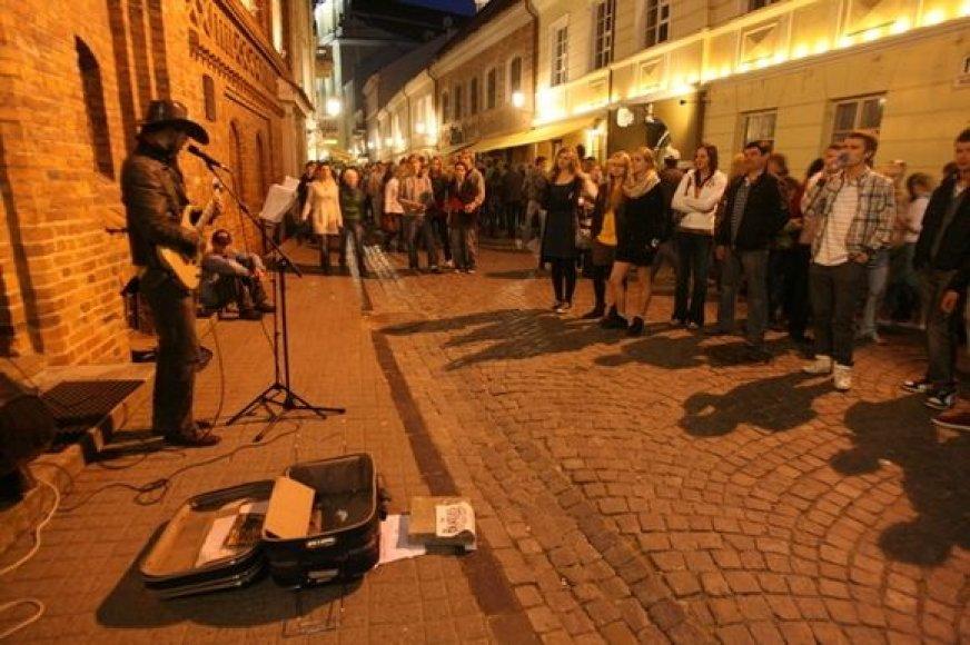 """Šeštadienio vakarą kultūros projekto """"Tebūnie naktis"""" organizatoriai vilioja sostinėje pasigrožėti daugybe ypatingų meno projektų."""