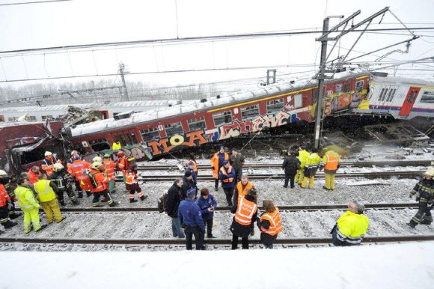 Traukiniai Belgijoje greičiausiai susidūrė dėl blogų oro sąlygų