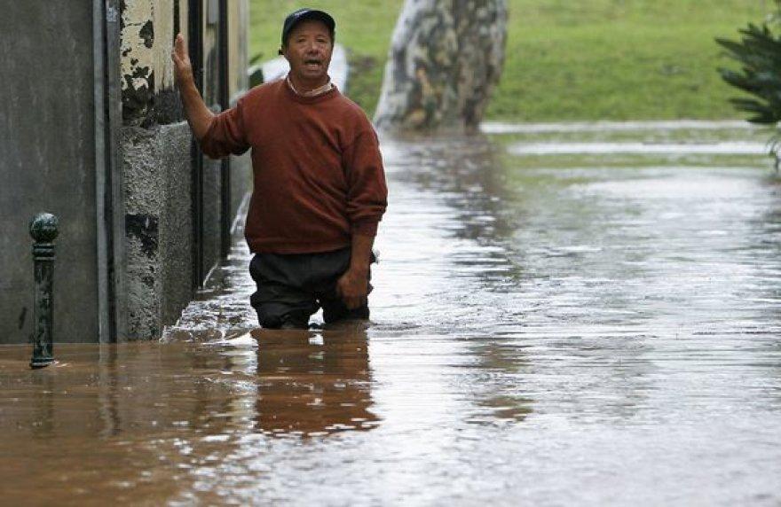 Madeiroje potvyniai pražudė dešimtis žmonių